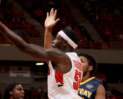 Yarbrough notches out 1,000th point to boost the Redbirds past the Bulldogs