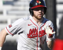 Redbirds fall to Cougars in extra innings